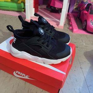 Nike Toddler Huarache Sneakers